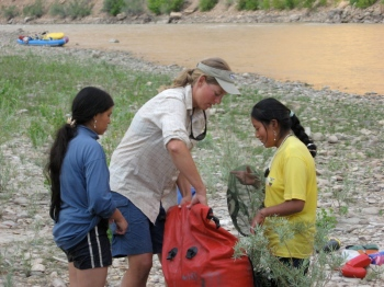 Cristina and Elsa learn how to pack a drybag