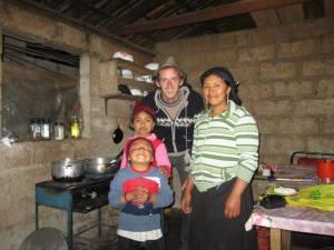 Joel y su familia de acogida