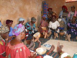 Mars 2013  assemblée de banque de coton avec les femmes de  Ksgo 3