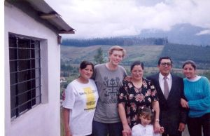 Veronica (in white) with her family and Anna (in gray) in 1998